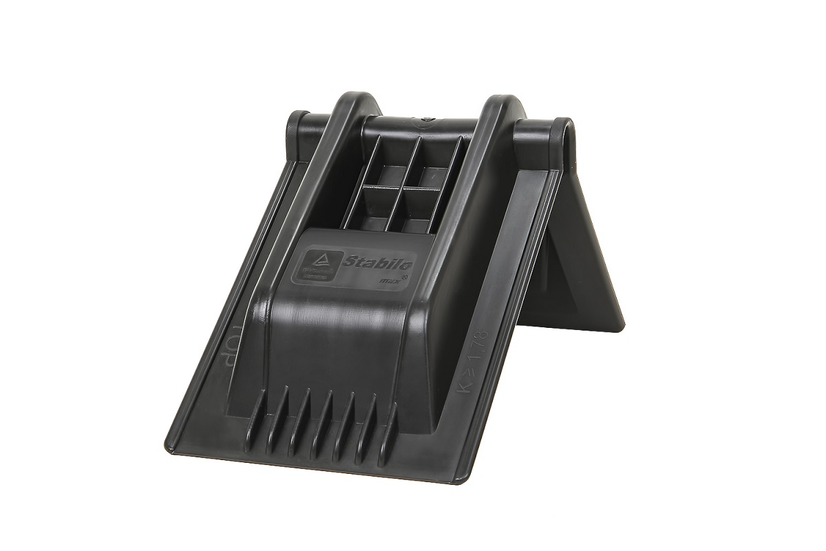 corner-max-black